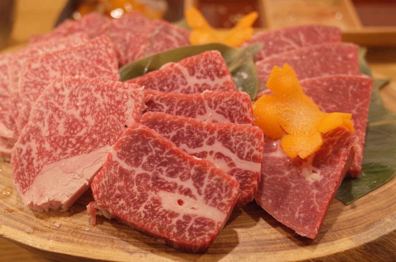 Quel couteau japonais pour trancher la viande